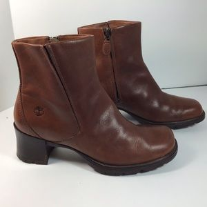 Timberland women's zip up ankle boots brown size 9